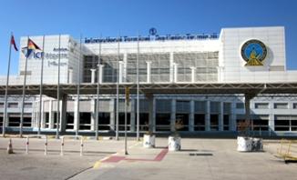Transferfahrzeuge am Flughafen Antalya